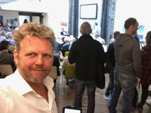 Tom Sligting met comedy show na uitleg verandering proces gemeente Lelystad