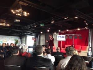 Tom Sligting met zijn show tijdens de European Speakers Association in Antwerpen