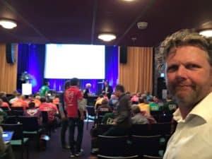 Tom Sligting met Engelse comedy show voor groot bedrijf
