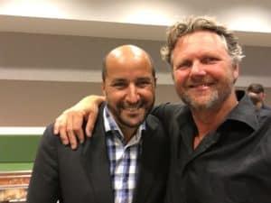 Tom Sligting met de Heer Marcouch na comedy show tijdens Iftar