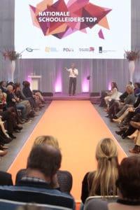 Heerlijke wrap up show van comedian Tom Sligting met veel prominenten in de zaal waaronder Mark Rutte